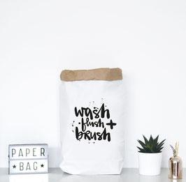 """Paperbag mir Schriftzug """"wash, flush + brush"""""""