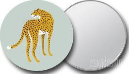 Spiegeltje Leopard groen kijkt om