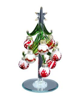 Christbaum mit kleinen Glaskugeln
