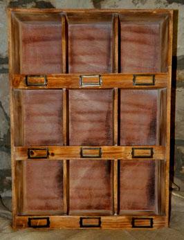 Wanregal mit 9 Fächern