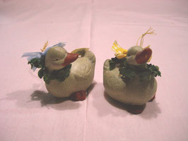 Kleine Keramik-Entchen