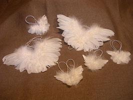 Engelsflügel aus Federn