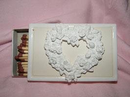 Streichholzschachtel mit Herz