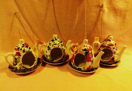 Vogelfutter-Kännchen aus Keramik