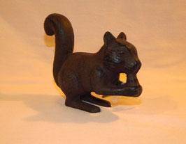 Eichhörnchen aus Gusseisen