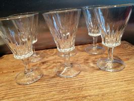 Set van 6 brocante geslepen witte wijnglazen, afmetingen 13 x 7,5 cm