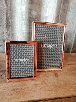Mooie fotolijst in rood koper kleur, in 2 formaten, prijs per stuk.