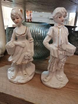 Lief romantisch brocante beelden van porselein, hoogte 18 cm, prijs voor het stelletje