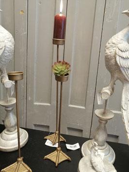 Geinige kandelaars voor waxinelicht van ijzer, met vogelpoot als voet. Hoogte 32 cm € 9,95 en hoogte 42 cm € 12,95 per stuk