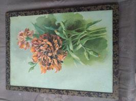 Mooie brocante prent van anjers achter glas, afmetingen 29 x 16 cm