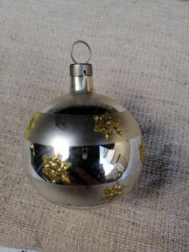 B610 oude kerstbal goud zilver met sterren hoogte 6 cm