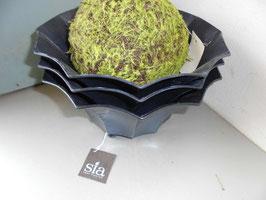 Leuke bak van antraciet grijs metaal van SIA Home. Diameter 25 cm, hoogte 12 cm. Prijs per stuk.