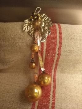 B040 mooi vintage kerstornament goud, 22 cm hoog