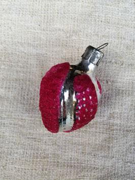 B641 oude kerstbal roze noot, hoogte 6 cm