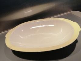 Brocante diepe schaal Petrus Regout pastel geel, chip aan de rand, afmetingen 33 x 22,5 cm
