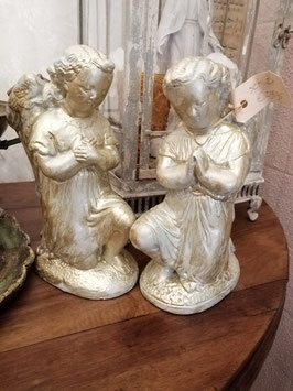 Set van 2 brocante gipsen engelen, hoogte 23 cm