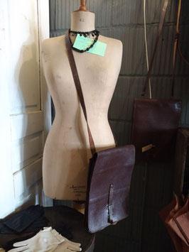 Leuke vintage tassen, erg decoratief, maar ook nog te gebruiken! prijs is per stuk.