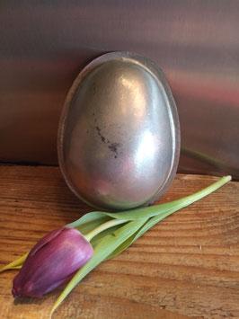 Oude halve chocoladevorm ei nummer 6 hoogte 13 cm