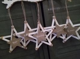 Leuke houten sterren 15 cm gemeten zonder koord, prijs per stuk.