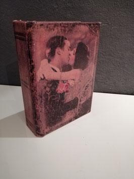 Mooi romantisch boek kistje, afmetingen 15 x 11 cm