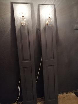 Deze set geverfde luiken met brocante pegellampjes, inclusief schakelaars, afmetingen 164 x 24 cm