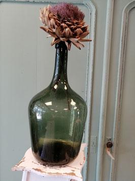 Mooie brocante handgemaakte diepgroene fles, met om gevouwen hals. Afmetingen 40 x 20 cm