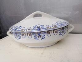Mooie Franse brocante terrine in ovale vorm, sarreguemines decor Navarre. Afmetingen 13 x 33 x 23 cm