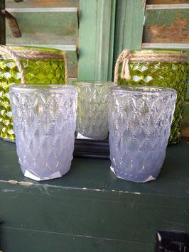 Glazen waxinelichthouder in ijsblauw, afmeting 9 x 7 cm, prijs per stuk.