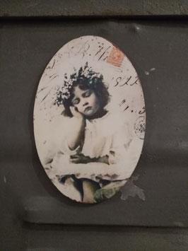 Nostalgische ovale magneet van Clayre en Eef, afmeting 9,5 x 6,5 cm, prijs per stuk.