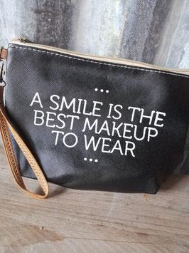 Gezellige make up tas in wit of zwart, afmetingen 22 x 15 x 6 cm, prijs per stuk