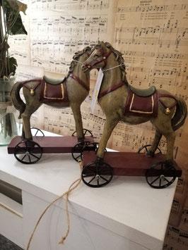 Prachtige paarden op wielen, afmetingen 20 x 15 x 8 cm, prijs per stuk
