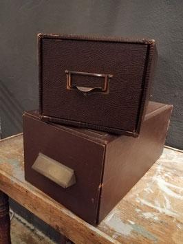 Mooie oude brocante archieflades, verstevigd met metaal, prijs per stuk