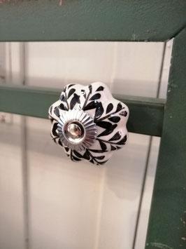 knop wit zwart, 4 cm, prijs per stuk.