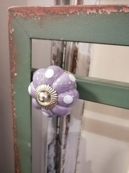 knop lila stip nr 1 , 4 cm, prijs per stuk.