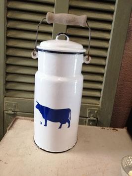 Mooie emaille melkbus met kobalt blauwe koe, afmetingen 30 x 15 cm