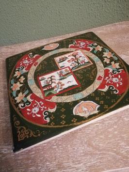 Prachtige antieke Engelse snijplank op pootjes, met chinoise decor, afmetingen 21 x 21 cm