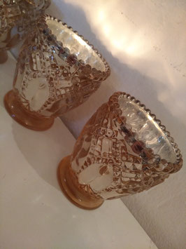 Mooie glazen waxinelichthouders zalm met zilver, afmeting 8 x 7 cm, prijs per stuk.