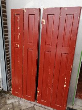 Set marron roodbruine brocante luiken raamluiken, afmetingen per geschakeld luik 156 x 51 cm, prijs voor de set.