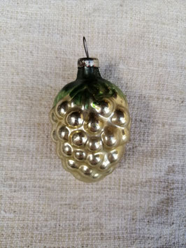 B616 oude kerstbal groen druiventros, hoogte 6 cm