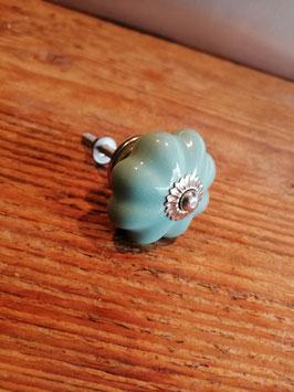 Knop turquoise geschulpt, 4 cm, prijs per stuk.