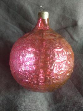 B373 oude Russische kerstbal roze rond met studs, half transparant, 8 cm