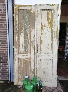 Super gave set antieke deuren, speciaal voor de liefhebbers van shabby, origineel en chipped, afmetingen samen 216 hoog 120 cm breed, prijs voor de set