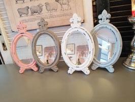 Leuke spiegel om neer te zetten of op te hangen, 30 cm hoog, prijs per stuk