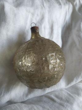 B271 oude Russische kerstbal goud half dicht en half transparant rond, 8 cm
