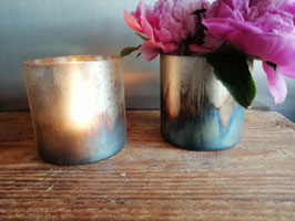 Mooi waxinelichthouder of vaas van glas met oliedecor, afmetingen 10 x 9 cm, prijs per stuk