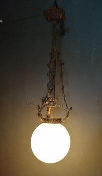 Prachtige grote antieke neo gotische lamp, afkomstig uit Frankrijk