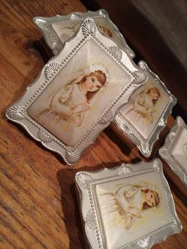 Lieve vintage communie doosjes, gemaakt in Italië van kunststof en satijn, afmetingen 8 x 6 cm, prijs per stuk