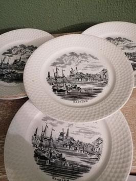 Antieke borden van Petrus Regout decor Nederland, diameter 20 cm, prijs per stuk