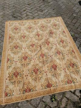 Vintage kleed nr 5, afmeting 176 x 140 cm, mooi op de vloer, op tafel, als grand foulard, wandkleed etc.