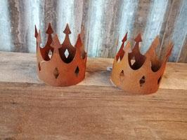Mooie kroon van ijzer, afmetingen 12,5 x 12,5 cm, prijs per stuk